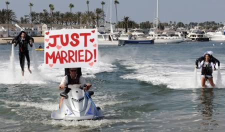 a98426_just-married_7-jet-pack