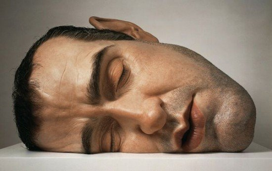 Ron-Mueck-sculptures3-550x346